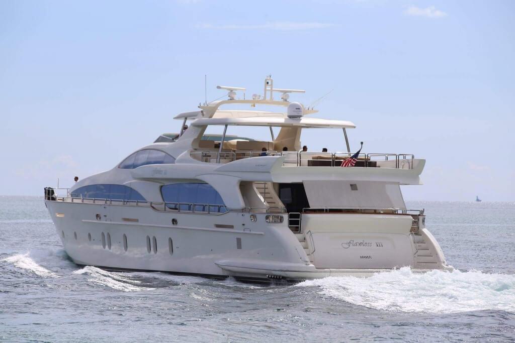 Buy luxury yacht
