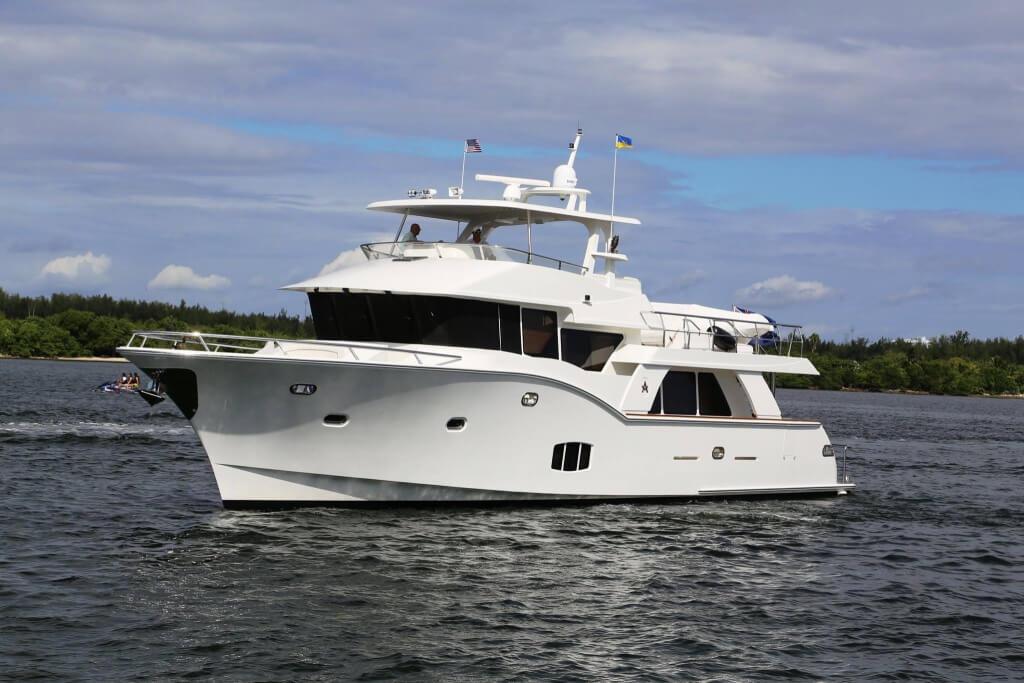 Поможем купить яхту люкс класса