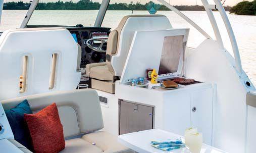 Обзор новой модели яхты Pursuit DC 325