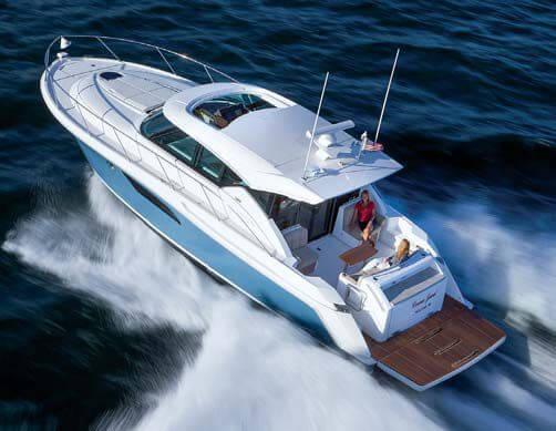 Обзор новой модели яхты Tiara 44 Coupe