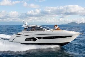 Azimut Atlantis 43 Luxury Yacht Review