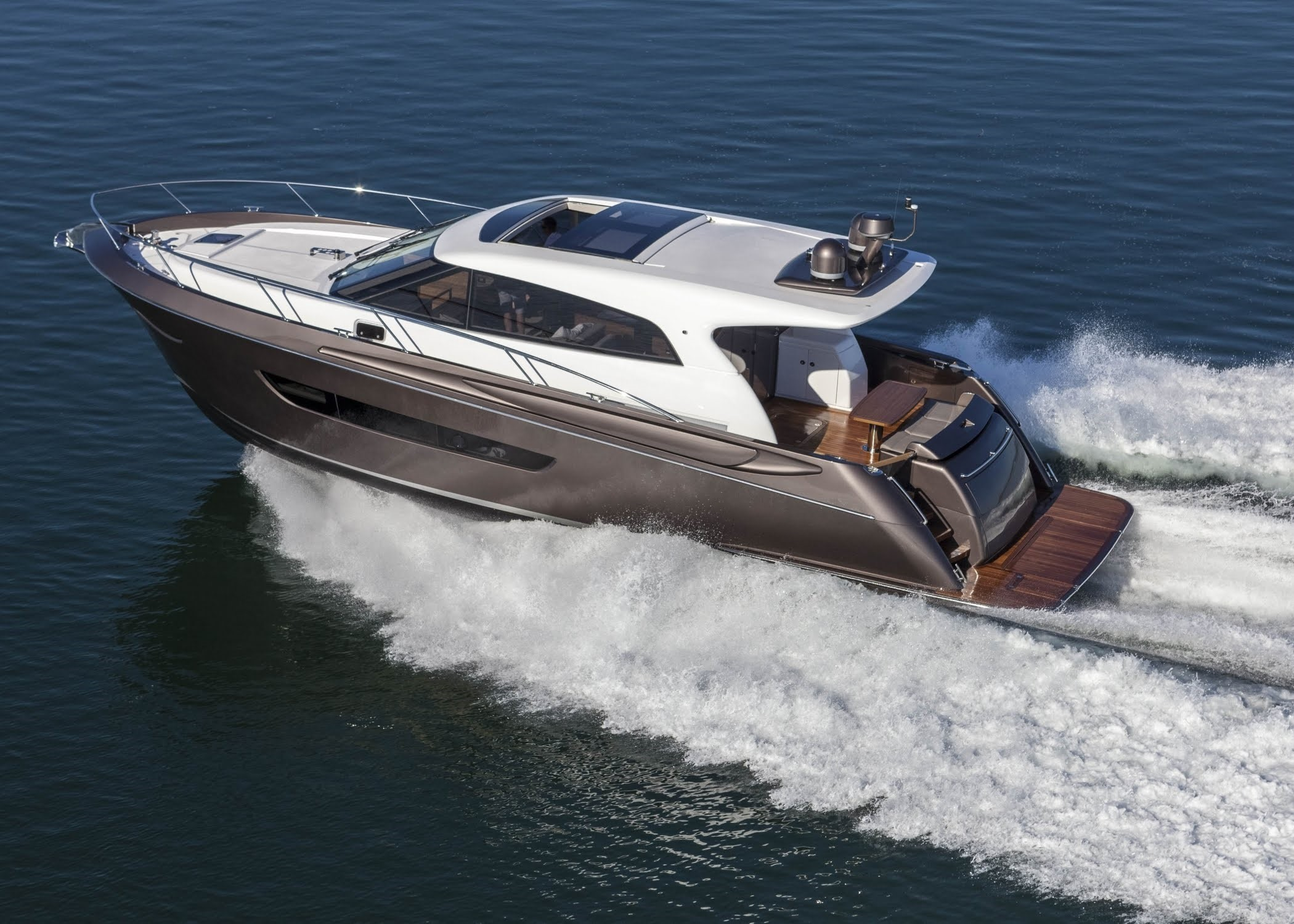 Elandra 53 Sport Yacht Review