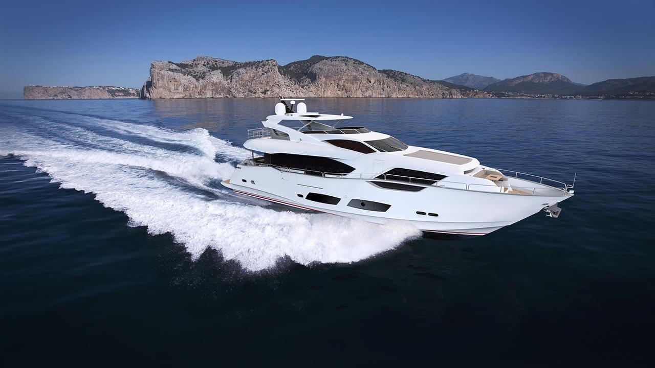 Sunseeker 95 Yacht Review