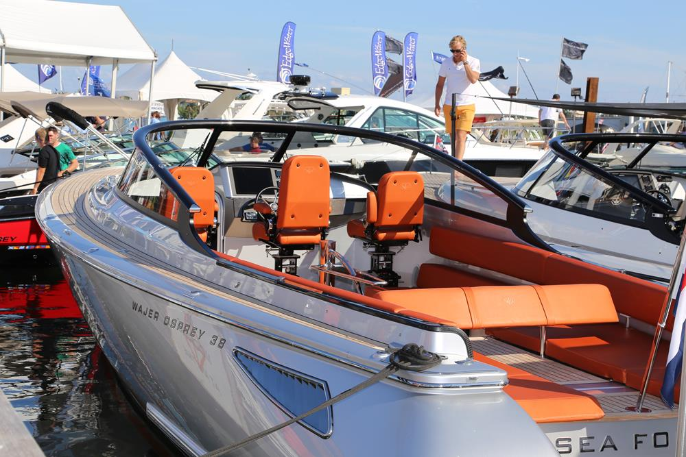 Yacht boat show in Palm Beach 2017