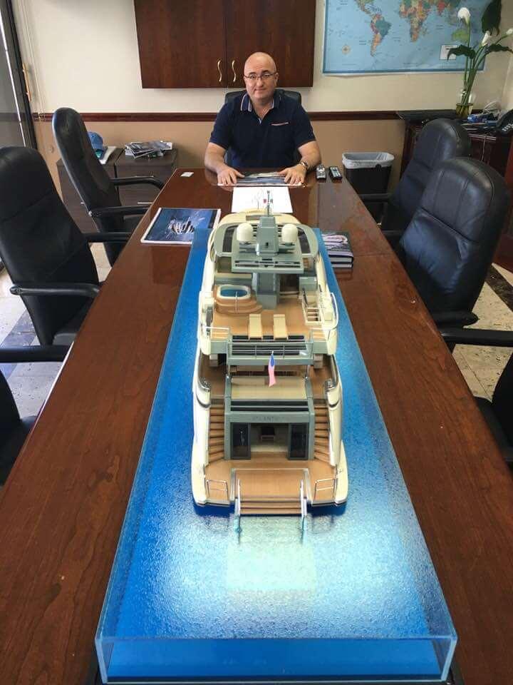 Чтобы купить яхту Атлантик 115 звоните: + 1-954-274-4435